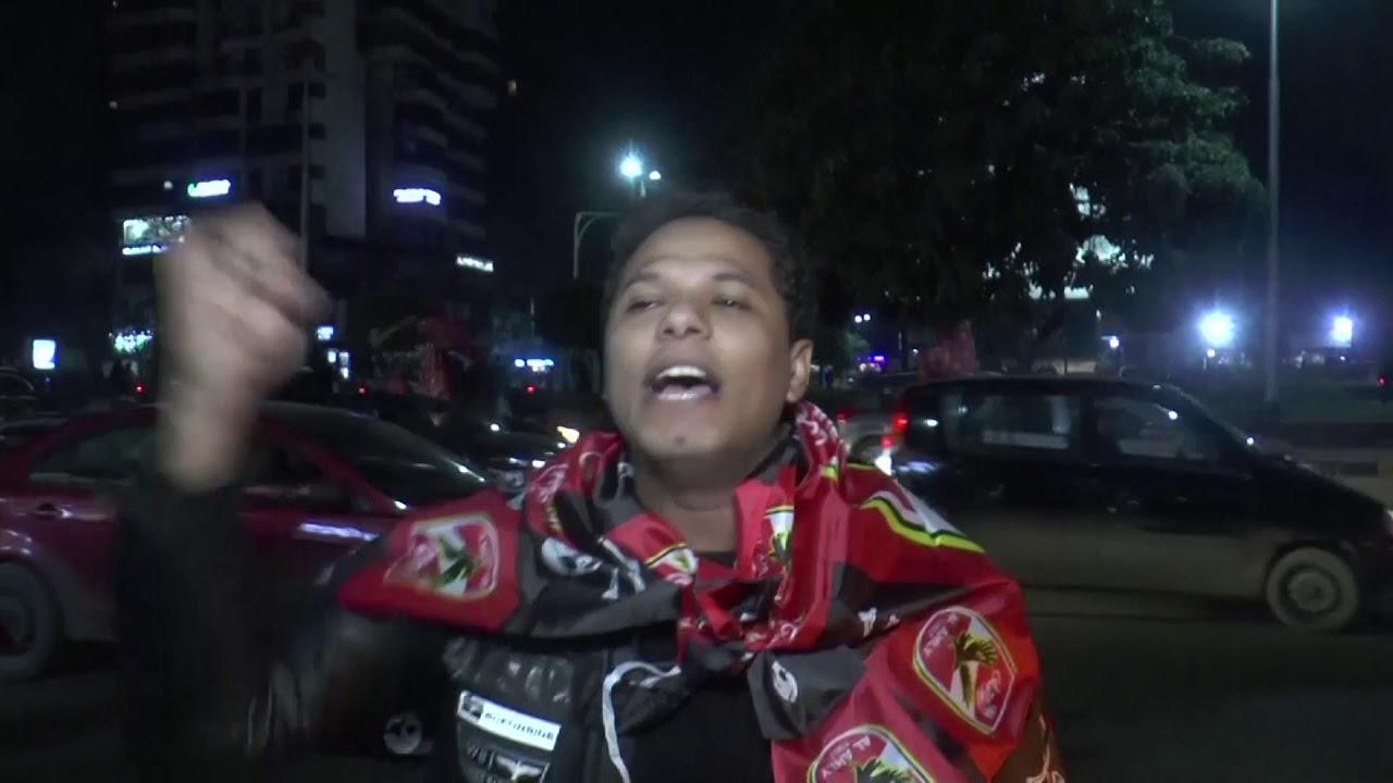 Fans in Cairo celebrate as Al Ahly beat Zamalek to win African Champions League for the ninth time