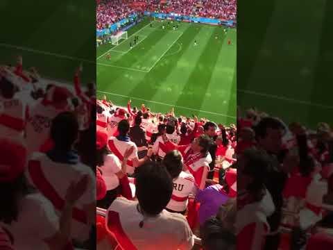 Así se cantó Contigo Perú en el estadio de Ekaterimburgo en Rusia