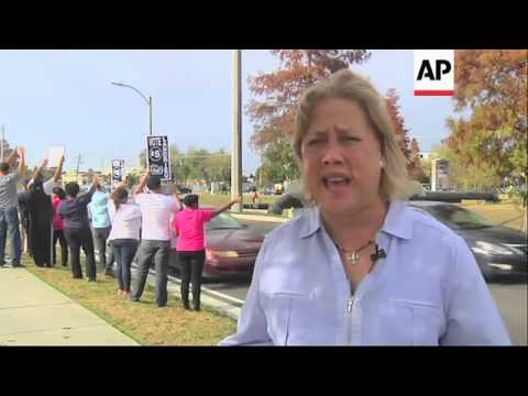 U.S. Senator Mary Landrieu hit the streets of New Orleans Saturday in a final effort to defeat her R