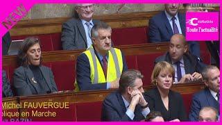 Jean Lassalle en gilet jaune à l'Assemblée