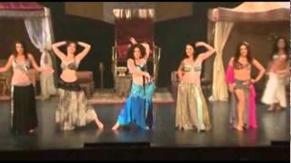 אילאיל מעצבת תלבושות ריקודי בטן