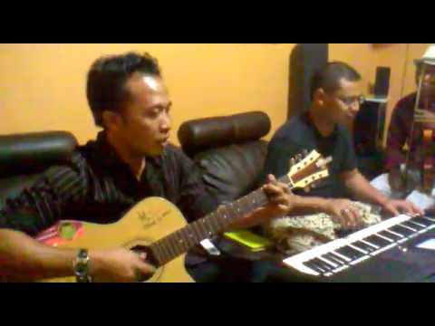 REMBULAN MENANGIS ~ Ebiet G. Ade (Covered by : BIETcoustic)