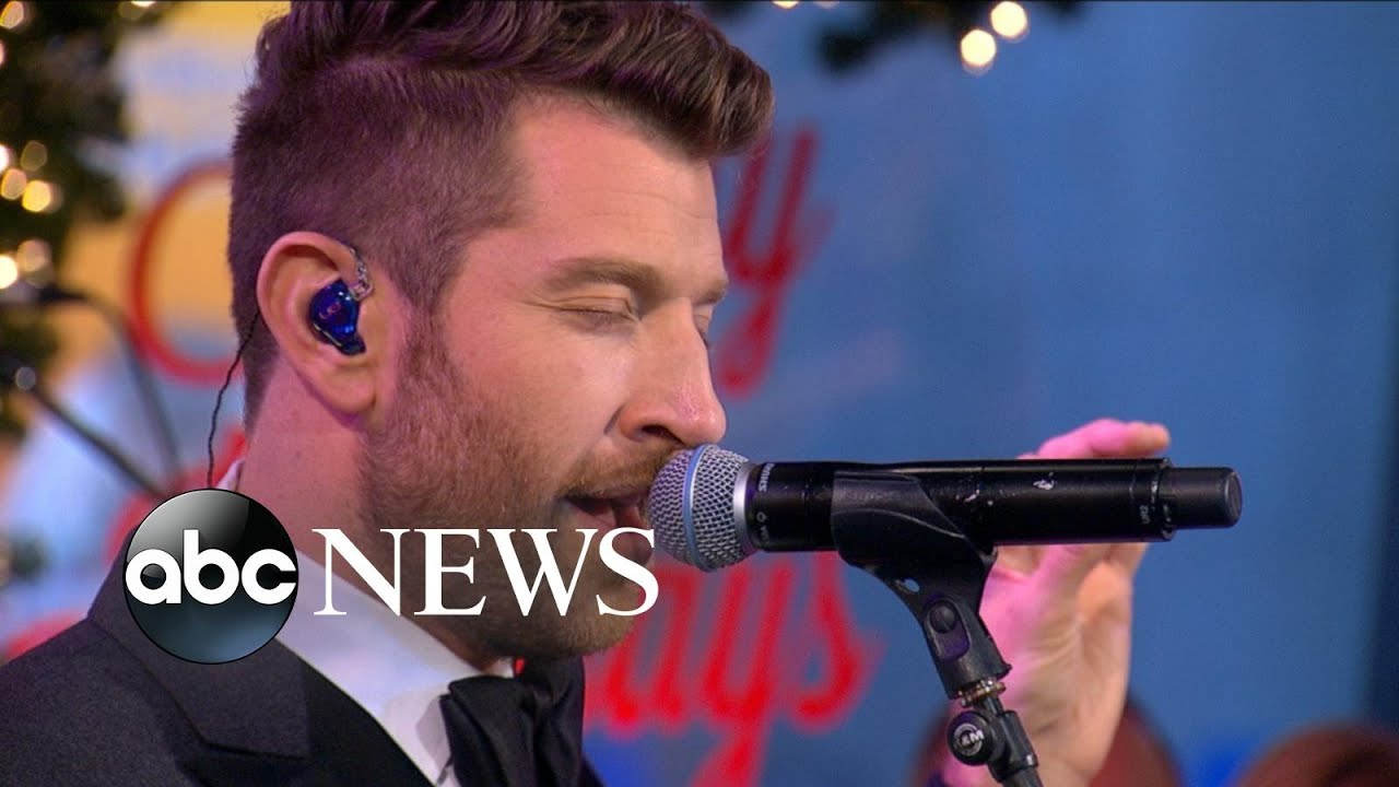 brett eldredge performs have yourself a merry little christmas live on gma