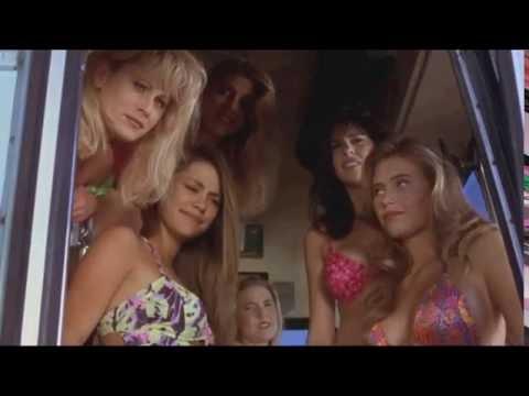 Film: Blbý a blbější   sexy holky v autobuse   HD