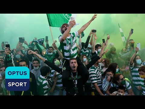 Incredible 𝙨𝙘𝙚𝙣𝙚𝙨 out of Lisbon! 🎉 Sporting go wild celebrating league title.
