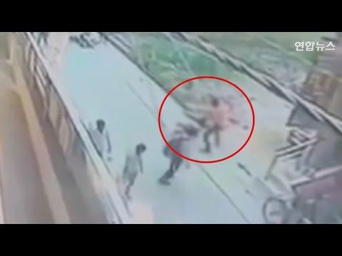 인도서 20대 여성 노상 살인…행인 방관[사건사고]