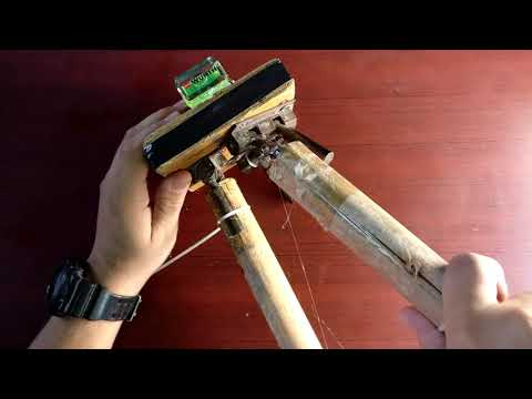DIY Tripod (cheap and strong) || TechTramp