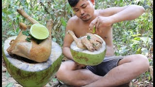 Survival Technique Cook Chicken in Coconut Eating Delicious - How to Cook Chicken with Coconut water