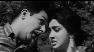 Poova Thalaiya Tamil Song - Jaishankar, Nirmala - Podachonnal Potukuren