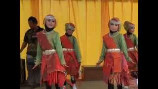 Penampilan Tari Anak Medan Oleh Siswa Kelas III SD Negeri 1 Singkil