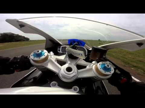 TRIUMPH DAYTONA  R | AKRAPOVIC FULL SYSTEM | FIRST RIDE | TUNED BY BEAST COAST RACING