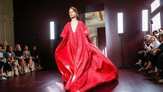 Valentino garavani | haute couture fall winter 2017/18 by pierpaolo piccioli full fashion show in high definition. (widescreen - exclusive video paris/fr...