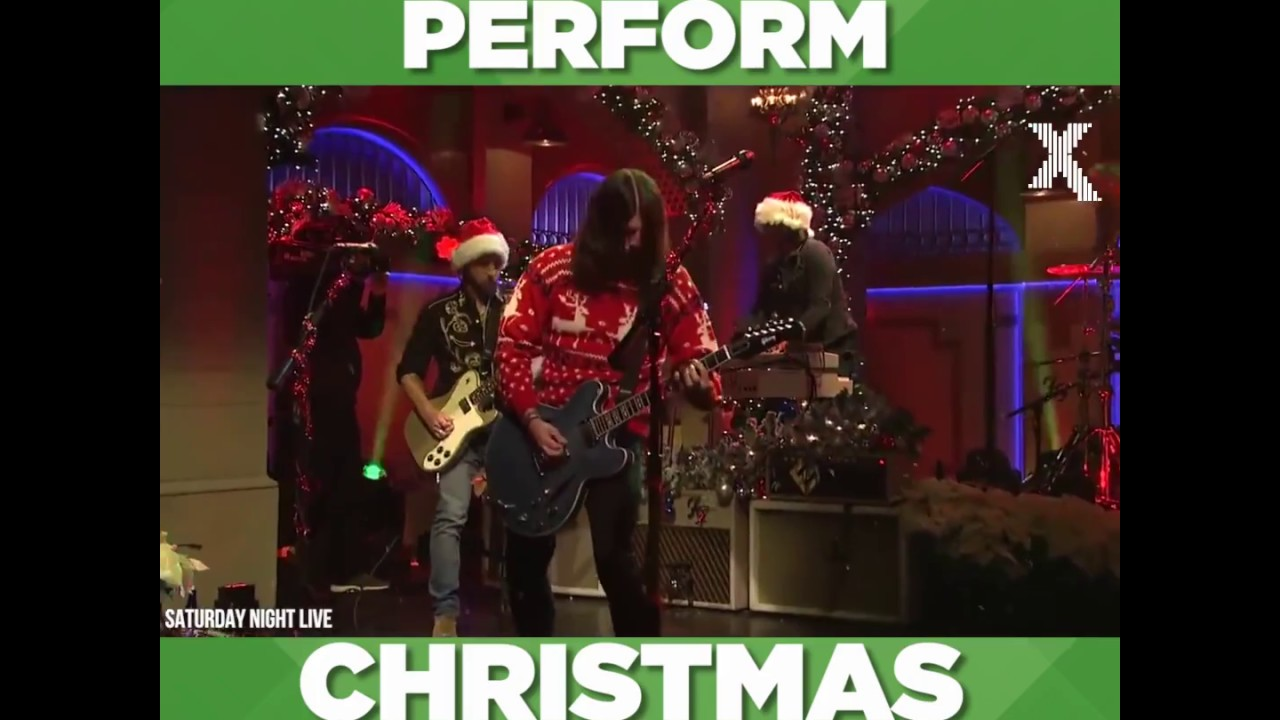 Foo Fighters Snl Christmas.Foo Fighters Xmas Medley Saturday Night Live