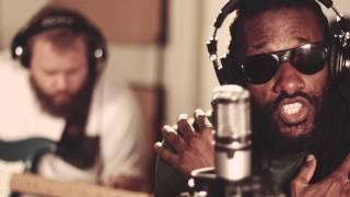 Junior Kelly - Everybody Needs Somebody (Live Studio Session)