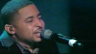 SMOKIE NORFUL LIVE - GOD IS ABLE