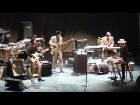 Thunder On The Mountain - Bob Dylan - Berlin 29.10.2011