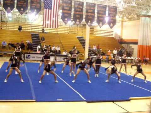 Lely High School cheerleaders Competition Routine