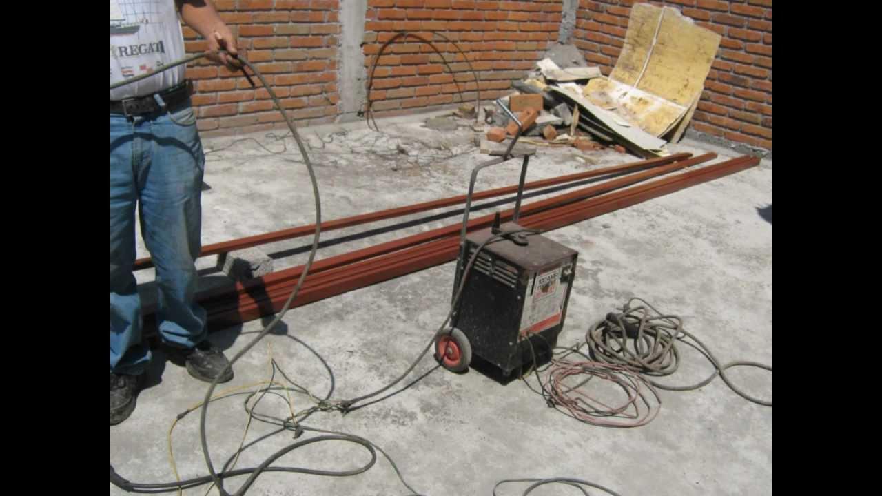 Un peque o tejado youtube for Tejados de herreria