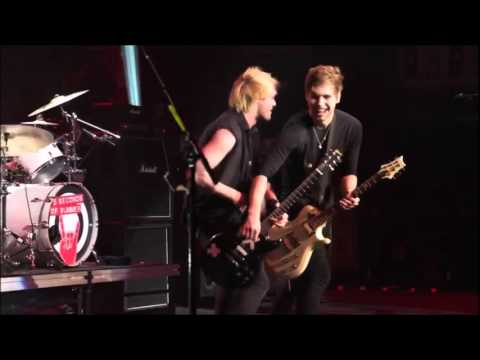 5 Seconds Of Summer - Voodoo Doll live from The New Broken Scene