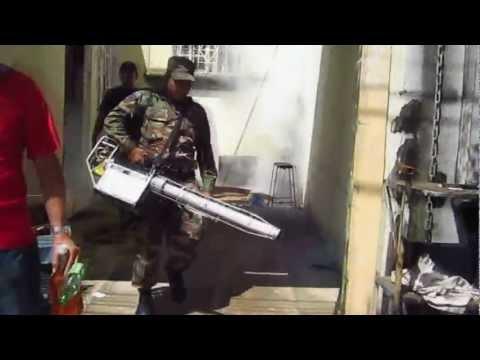 Fumigacion Contra El Zancudo En Villa Monaco Ciudad Versalles.wmv