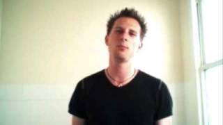 Coma Black: Eden Eye (Marilyn Manson a'cappella in the bathroom) - Jez Kemp