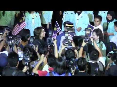 Anak Kampung - Jimmy Palikat By IQWAL @ Ekspresi Remaja Bersama Perdana Menteri