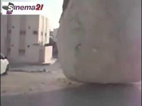 VIDEO KEBESARAN ALLAH SWT DI PALESTINA  BATU RAKSASA  MUNCUL DI TENGAH KOTA !!