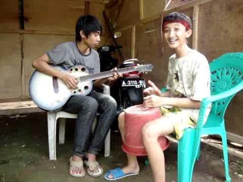 Momonon - Go Green (Andre Dhika+gitar Ember Cover)