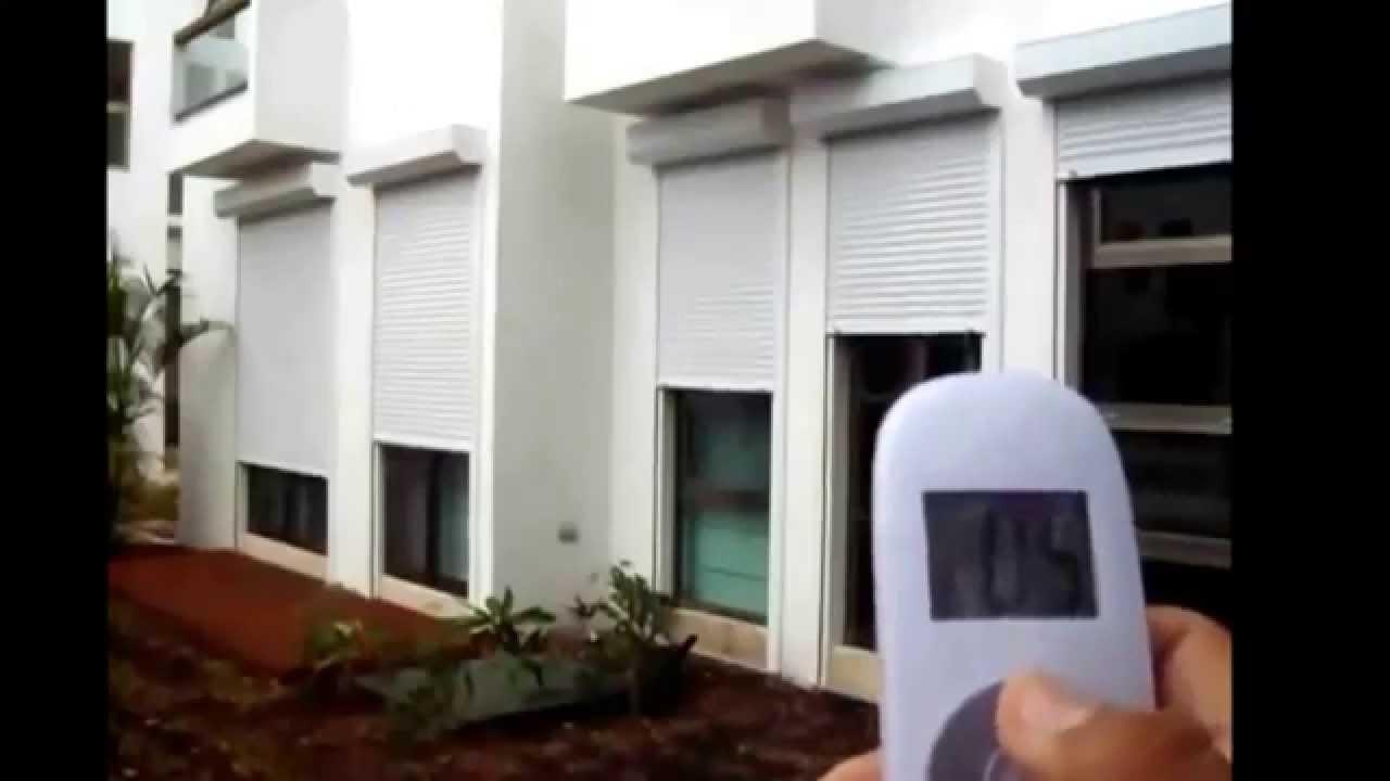Cortina para exterior proteger ventanas contra huracanes y for Ventanas con persianas incorporadas