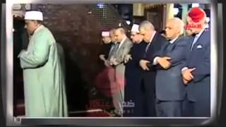 The minister of Egypt almost passing out in prayer