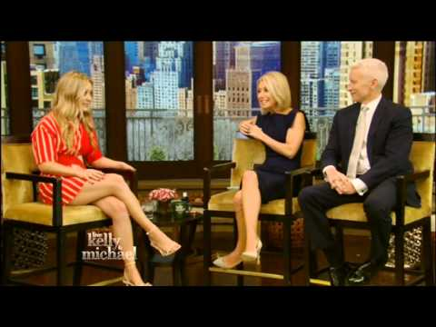 """Billie Lourd briefly talks about """"( Star Wars The Force Awakens) """" on LIVE!"""