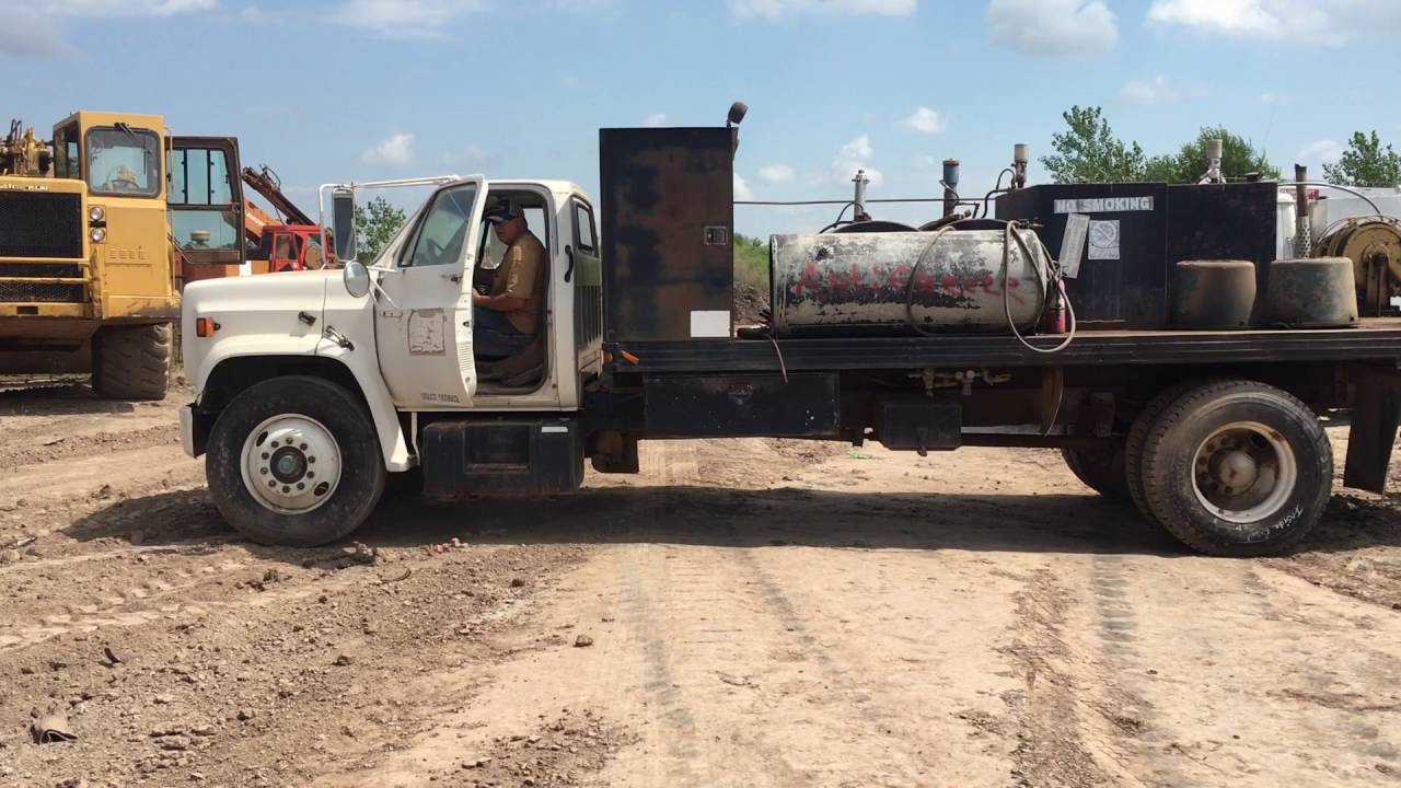 Gmc C6500 Straight Truck With Lubrication Equipment Youtube Topkick 6500 Mitula Cars