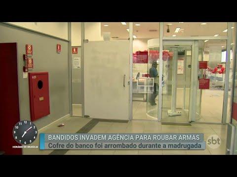Bandidos invadem agência bancária para roubar armas em SP | Primeiro Impacto (30/08/18)