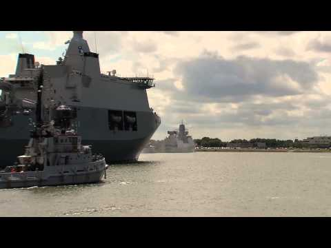 Aankomst Karel Doorman in Den Helder