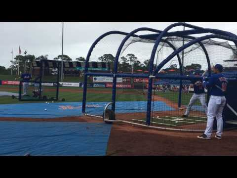 Tim Tebow takes batting practice with Mets' major leaguers for the first time