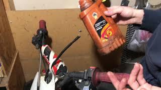 Один из способов смазки тросов(сцепления, тормоза, газа, спидометра и т.д.)