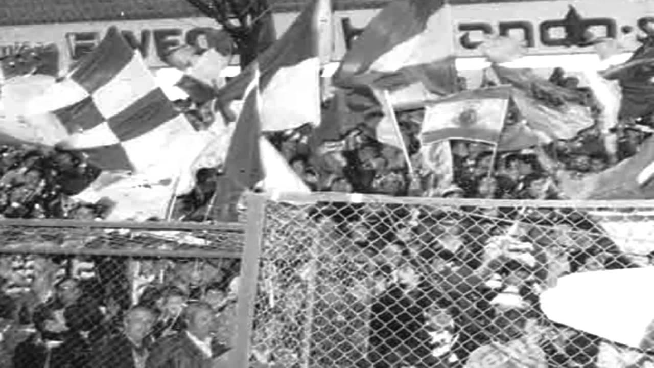 Hoquei Patins :: Sporting - 8 x Carvalhos - 1 de 1977/1978 Jogo do Título e Festa (relato últimos minutos)