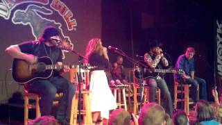 Kix Brooks and Hiedi Newfield Rockin the Harmonica