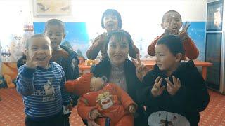 GLOBALink | Xinjiang, My home: Daycare at a clothing factory