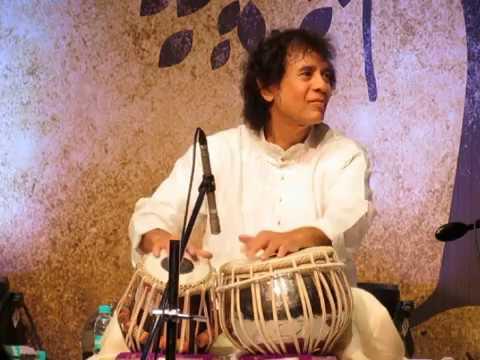 Ustad Zakir Hussain playing a beautiful rela