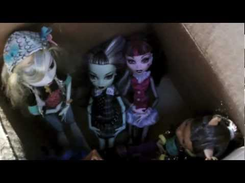 Monster High Doll Adventures Episode 4 - The Box