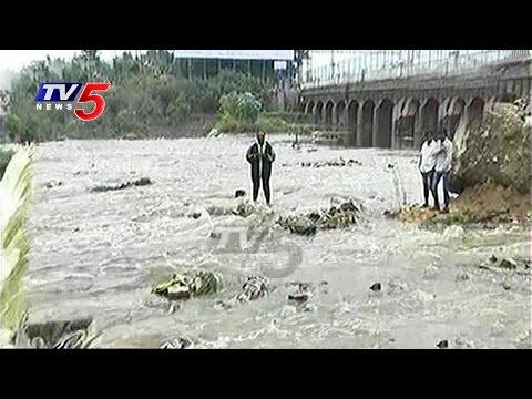 Heavy Flood Water Inflow into Hussain Sagar   Telugu News   TV5 News