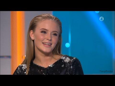 Zara Larsson blir överraskad av sin gamla lärare och sjunger Diana i Hellenius hörna 2015