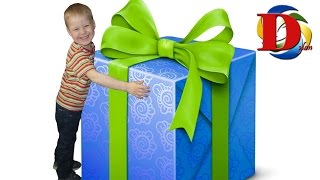 Квест ищем Самый ЛУЧШИЙ Подарок для мальчика The BEST Present for the little kid scooter