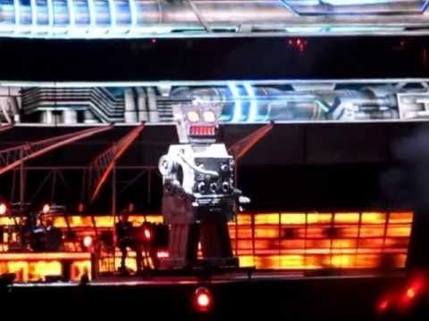 MUSE - UNSUSTAINABLE - LIVE AT THE EMIRATES 2013