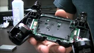 Teardown Part 1: How to safely open a Dualshock 4 controller without breaking or losing parts