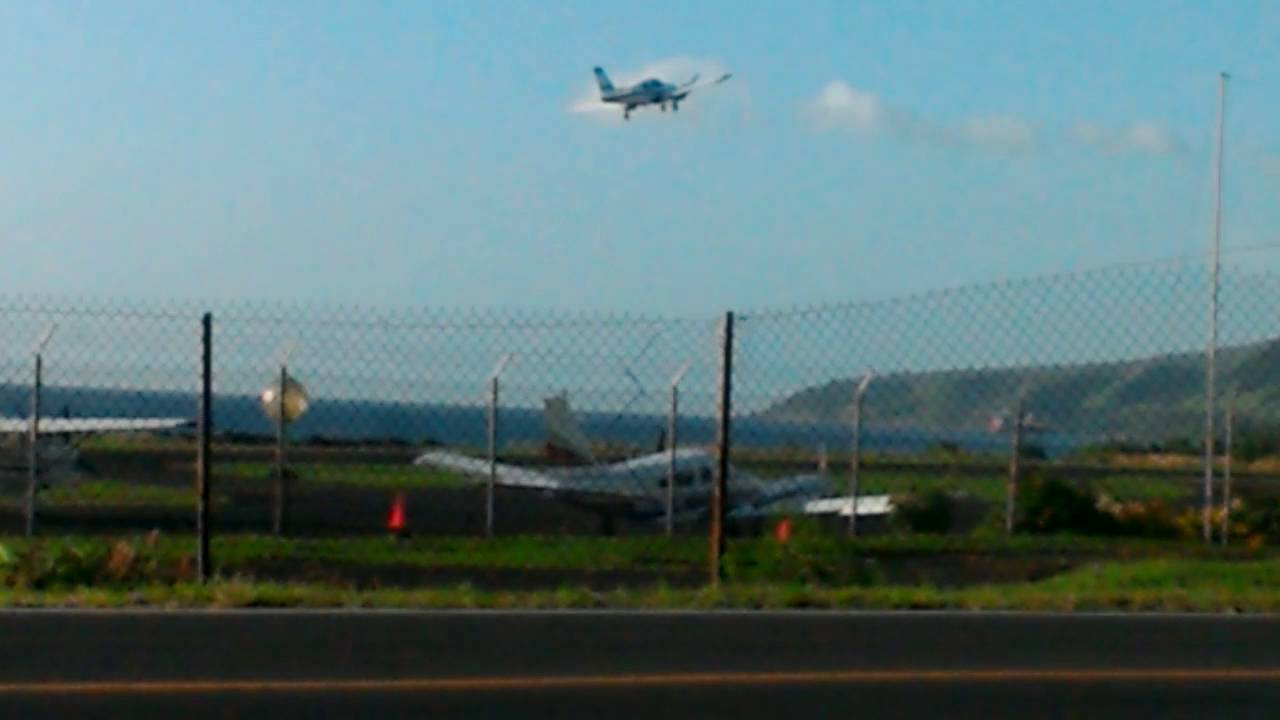 Piper Aztec departure @ the Canefield Airport