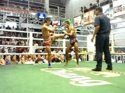 Brutal Muay Thai ko at bangla boxing stadium inn Patong, Phuket