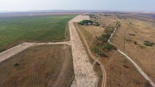 Крым 4K: Багеровский аэродром после разборки(2016.08.03 Некогда стратегический Багеровский военный аэродром под Керчью, участвовавший в ядерной программе..., 2016-08-13T08:32:32.000Z)