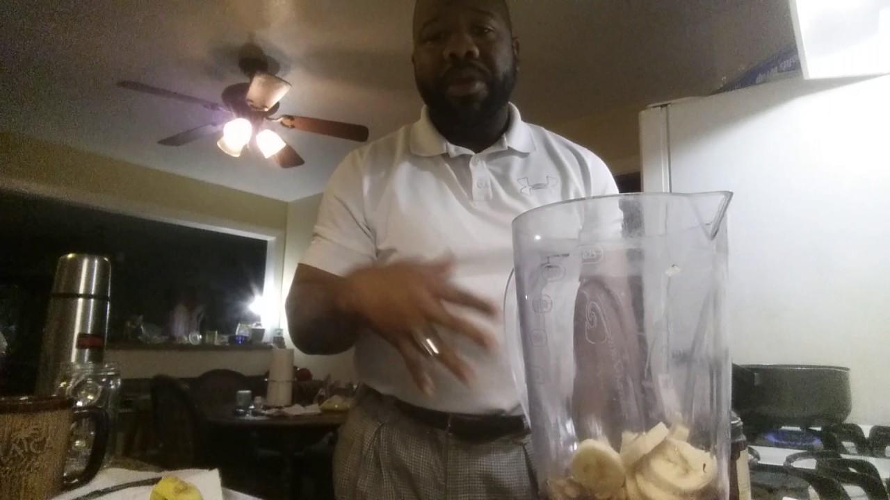 Making Dr Sebi's Sea moss smoothie